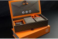 Fedrigoni meets Fashion on Packaging of the World - Creative Package Design… Cool Packaging, Luxury Packaging, Brand Packaging, Wine Packaging, Design Packaging, Bar Lounge, Sales Kit, Grafik Design, Packaging Design Inspiration