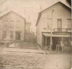 700 block of Wheeling Avenue. The building on the left is where Dollar General sits today.