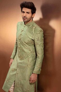 Sherwani makes the groom attractive. sherwani for groom should be embroidered sherwani with work like stones and string weavings, dots and extraordinary. Best Indian Wedding Dresses, Wedding Dress Men, Wedding Men, Indian Weddings, Wedding Suits, Farm Wedding, Wedding Couples, Boho Wedding, Wedding Reception