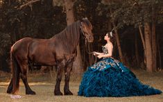 Quince Dresses Mexican, Mexican Quinceanera Dresses, Quinceanera Planning, Quinceanera Themes, Charro Dresses, Quince Pictures, Vestido Charro, Quinceanera Hairstyles, Prom Hairstyles