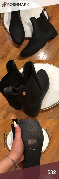 HENRY FERRERA Size 10 Black Chelsea Rain Boot HENRY FERRERA Size 10 Black Chelsea Rain Boot Matt Finish Slip On Ankle Booties Henry Ferrera Shoes Winter & Rain Boots