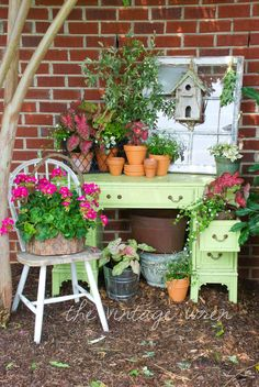 potting nook-Need this..some pretty flowers or better yet some herbs in there to use for cooking.