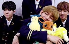 JUST BTS TAEHYUNG OML YOU CANNOT SAY HE IS NOT ADORABLE