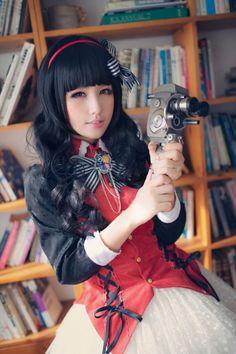 Tomoyo Daidouji (Card Captor Sakura) By: Gamyu
