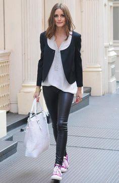 Las famosas nos enseñanan a llevar el look casual chic OLIVIA PALERMO http://www.glamour.mx/moda/articulos/looks-de-celebridades-moda-tendencias-street-style/1693