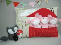 Playful Pillow  Three Little Pigs and Wolf por violastudio en Etsy