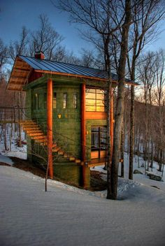 This beauty was recently featured on the Tiny House design FB page. It is a circular house by Ziggy. The curved stairs, effective window placement and green tint give it a pleasing appearance. www.cordwoodconstruction.org