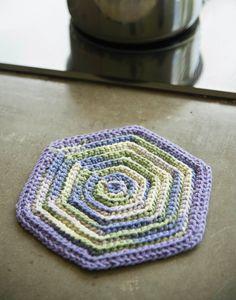 Vintage Hot Pad By Amy Polcyn - Free Crochet Pattern - (loveofcrochet)