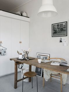 60 Trendy Home Office Decor On A Budget Beautiful Pink Home Offices, Minimalist Dining Room, Vintage Industrial Decor, Industrial Lamps, Industrial Furniture, Interior Decorating, Interior Design, Design Interiors, Design Design
