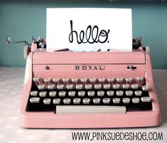 for the love of pink and vintage! oh my how I love this pink typewriter