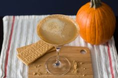 The Pumpkin Pie Martini is your perfect treat for #Thanksgiving ! Fall flavors come together perfectly with #vodka and #rum in this cocktail.