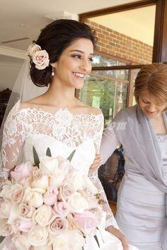Wedding gown with a vintage spanish look. #VintageWedding #WeddingDress #Lace
