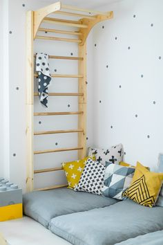 Anzeige// Unser Spielzimmer und 6 Dinge, die jeden Raum im Handumdrehen dazu mac… Advertisement // Our playroom and 6 things that turn any room into an instant plus Ikea hack for dots: ‹fräulein flora PHOTOGRAPHY Kids Bunk Beds, Ikea Bedroom, Bedroom Furniture, Rustic Furniture, Ikea Hack Kids Bedroom, Ikea Kids Furniture, Modern Furniture, Furniture Layout, Bedroom Decor