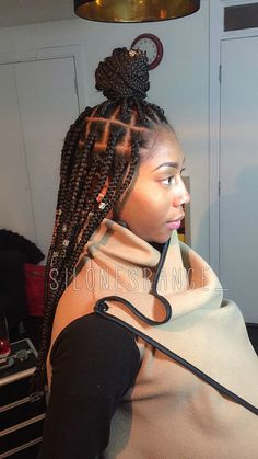 Our medium length big box Braids ideal for our beautiful queens who are ready to bring life into the world! {Maternal Lengtht}