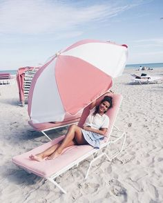 Light Pink ⛱ #miami #collageontheroad #southbeach