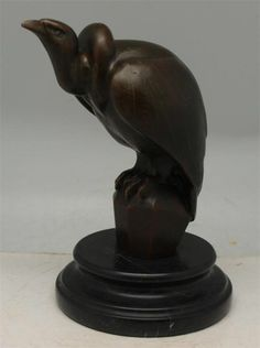 Fake  Art Deco Style Bronze Sculpture - Cecaro- Probably made in China
