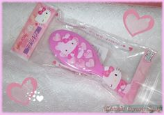 Officially licensed Sanrio Hello Kitty hair brush.  This small hair brush is perfect to take with you everywhere, At only 6 inches (15.24 cm) in length, it will easily fit in any lady's handbag...and it's so kawaii!