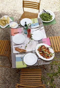 Outdoor dining - ideas for new porch!