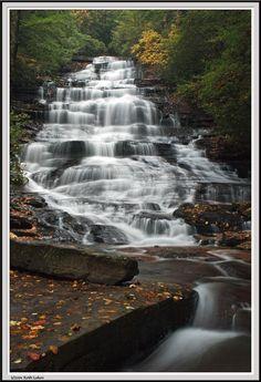 Minnehaha Falls Rabun County GA   Only .5 mile hike to the falls...very nice hike.