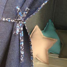 #pacz #pacztipi #teepee #flowers #jeans Pearl Necklace, Pearls, Denim, Flowers, Jewelry, Fashion, String Of Pearls, Jewellery Making, Moda