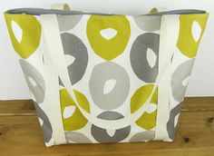 Hey, I found this really awesome Etsy listing at https://www.etsy.com/uk/listing/519668764/mustard-and-grey-retro-shoulder-bag