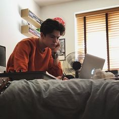 Blake Richardson concentrating is attractive New Hope Club, A New Hope, Blake Edwards, Reece Bibby, Blake Richardson, British Boys, Famous Men, News Songs, My Love