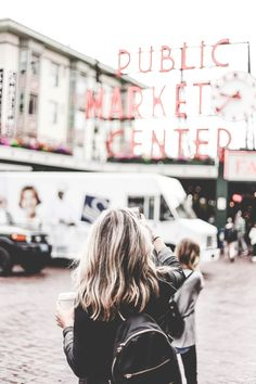 Visiting Pike Place Market in Seattle, Washington? One of the oldest  operating farmers markets, PPM is where it's at! Here's the best shops at  Pike Place Market.