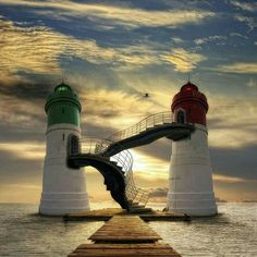 Challenge yourself with this Világítótornyok jigsaw puzzle for free. 86 others took a break from the world and solved it. Ouvrages D'art, Beautiful Places, Beautiful Pictures, Beautiful Sunset, Lighthouse Pictures, Beacon Of Light, Water Tower, Belle Photo, Cool Photos