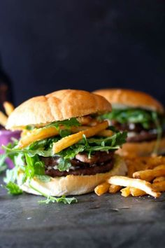 Grilled mushrooms goat cheese fresh arugula and homemade aioli make one of the best burger combinations you will ever have! Healthy Sandwich Recipes, Burger Recipes, Grilling Recipes, Lunch Recipes, Beef Recipes, Dinner Recipes, Sandwiches For Lunch, Wrap Sandwiches, Homemade Aioli