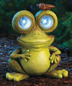 Freaky looking Solar Garden Frog Statue