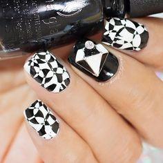 black, while, stamping, nailcharm, mani, nails