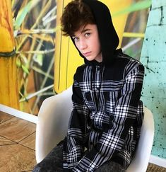 Read Brandon Rowland from the story Personagens by (I am hell itself) with reads. Ashton Rowland, Brandon Rowland, Hunter Rowland, Cute Teenage Boys, Boy Models, Magcon Boys, Pretty People, Amazing People, Male Beauty