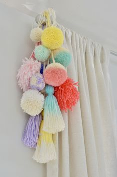 yarn tassel pompom wallhanging / tassels / dip-dye tassels / nursery wallhanging / nursery ideas / boho nursery / boho kids room