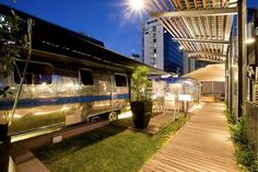 """The Grand Daddy Hotel in Cape Town, South Africa has re-imagined the concept of """"penthouse,"""" thanks to seven gleaming, vintage Airstream trailers perched on the roof of the hotel. Airstream Campers, Vintage Airstream, Vintage Trailers, Penthouse Suite, Luxury Penthouse, Cape Town Hotels, Hotel Concept, Living On The Road, Unique Hotels"""
