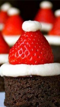 Jule kager ja tak. De er lige det der skal til for at pynte lidt på de store jule kagebord.