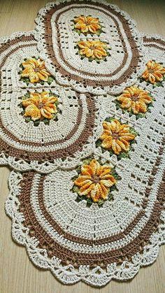 Crochet Kitchen Rug: Sets of Rugs and Walkthroughs Crochet Kitchen Rug: Sets of Rugs and Walkthroughs Crochet Kitchen, Crochet Home, Love Crochet, Diy Crochet, Crochet Doilies, Kitchen Rug, Baby Breath Flower Crown, Bad Set, Crochet Carpet