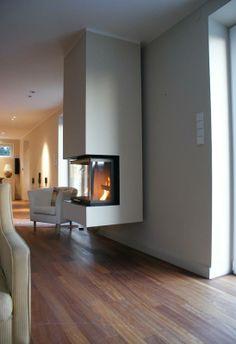 kaminofen h ngend frei im zimmer kamin pinterest. Black Bedroom Furniture Sets. Home Design Ideas