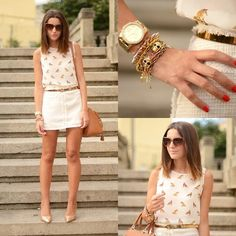 #Neutrals and #gold look polished in any city  http://lookbook.nu/look/4029916-nude-studded-skirt