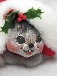 Precious 1995 Annalee Mobilitee Doll Christmas Mouse Peeking out of Santa's Hat #Annalee