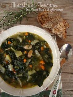 Il minestrone è una zuppa  di sole verdure  che più o meno si annovera nella tradizione culinaria di tutte le regioni del nostro bel paese....