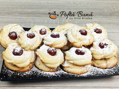Banana Whoopie Pies, Confectionery Recipe, Doughnut, Healthy Snacks, Biscuits, Deserts, Food And Drink, Sweets, Cookies