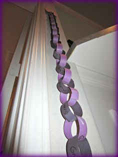 I want to use this idea of prayer chain to learn to pray for others with Sunday School kids. Not Lent.