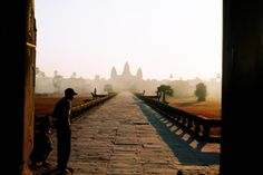 Cambodian etiquette: a politeness how-to guide - Lonely Planet