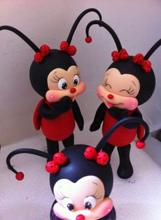 Discover recipes, home ideas, style inspiration and other ideas to try. Polymer Clay Ornaments, Polymer Clay Projects, Foam Crafts, Diy And Crafts, Sugar Animal, Lady Bug, Ladybug Cakes, Teapot Cookies, Bee Cakes