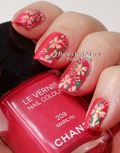 Marilyn likes flowers - floral nail art