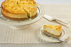 Sernik z musem brzoskwiniowym / Peach mousse cheesecake