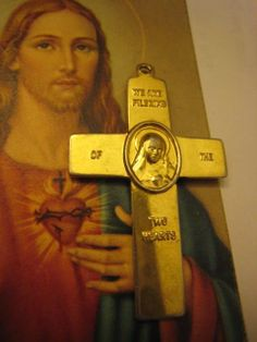Vintage Gold Plated Triumph of the Cross Jesus Mary by Glamaroni, $18.00