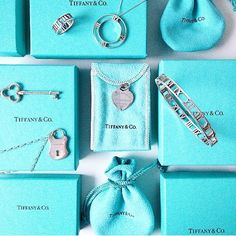 Tiffany & Co. Verde Tiffany, Azul Tiffany, Tiffany Blue, Tiffany Jewelry, Tiffany Necklace, Tiffany Outlet, Design Bleu, Crazy Shoes, Handbags Michael Kors
