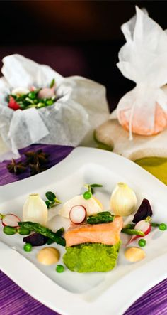 Salmon with coffee aroma Coffee Aroma, Fish Dishes, Saga, Sushi, Salmon, Ethnic Recipes, Food, Essen, Meals