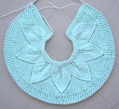 Leaf Lace Baby Sweater   by wo    Knit